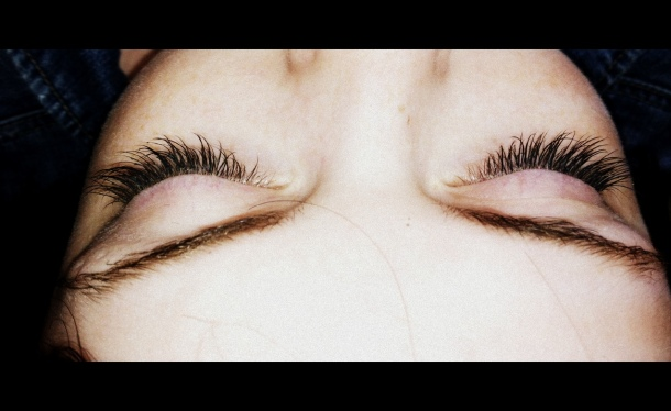 (After) Permanent False Lashes - Maura